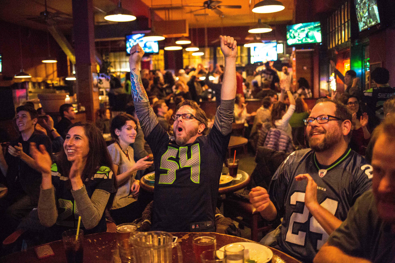 Administración de bares: Lo que necesitas para abrir un bar deportivo