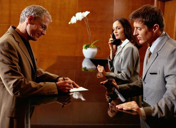 Gerencia hotelera: Ocho formas de convertirte en el mejor jefe de recepción