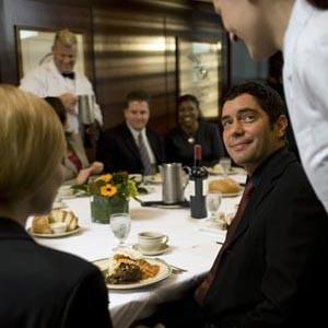 Cómo mejorar la atención al cliente con la gestión de servicios de restaurantes
