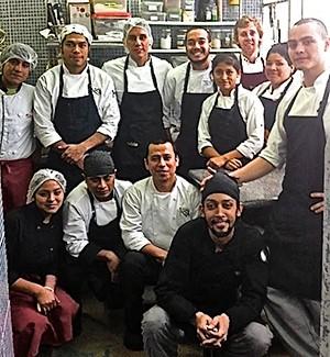 Alumnos de discovery que hacen pr cticas en malabar for Cocina peruana de vanguardia