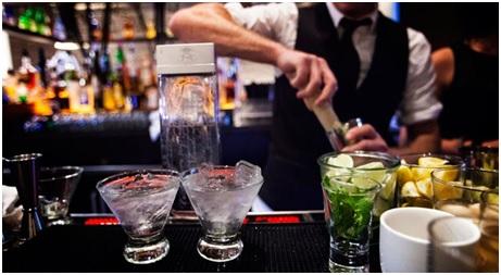 Trece habilidades para la vida diaria que aprenderás como barman profesional