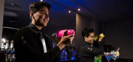 7 Técnicas de bartender claves para la preparación de cócteles