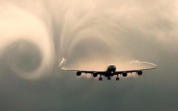 Aviacion-turbulencia-seguridad Aviación comercial: ¿qué hacer durante una turbulencia?