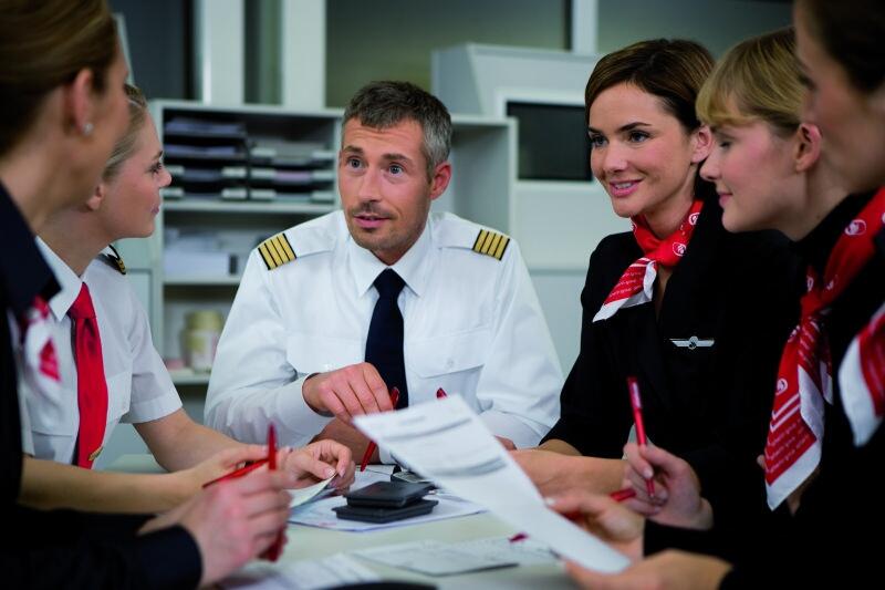 Principales funciones de los tripulantes de cabina