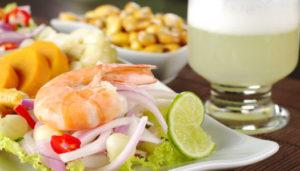 10 platos que debes conocer de la gastronomía peruana