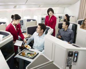 gediscovery-tripulante-cabina-servicio-pasajero-300x240
