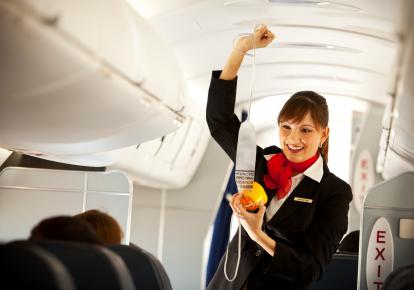 gediscovery-aviacion-comercial-anuncios-seguridad Aviación Comercial: Anuncios a bordo hechos por los tripulantes de cabina