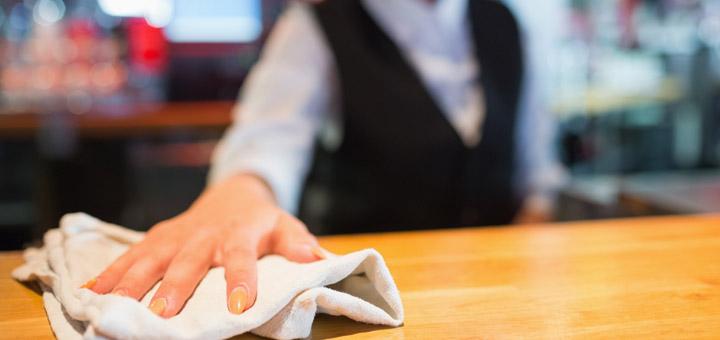 gediscovery-bartender-abrir-cerrar-bar-limpieza