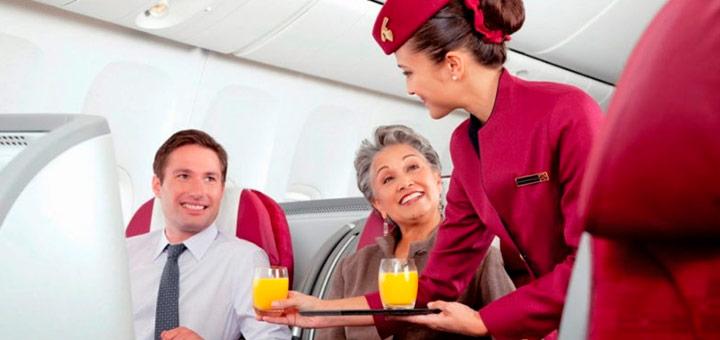 ¿Cuáles son los puestos de trabajo de los tripulantes de cabina?